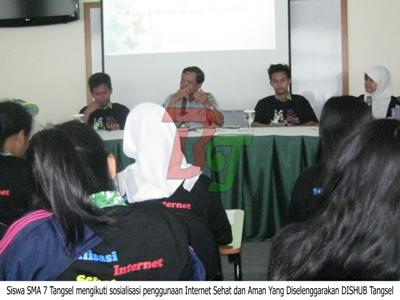 011 - Antisipasi Pengaruh Buruk Dari Internet, Dishub Tangsel Sosialisasikan Penggunaan Internet Sehat Dan Aman